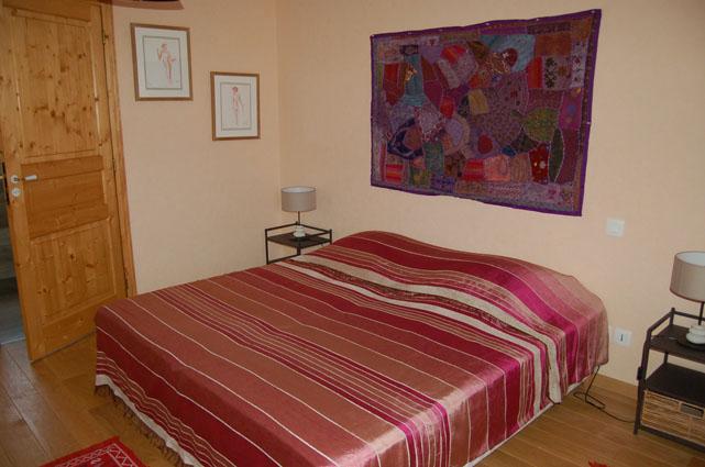 La maison des collines autour dauvergne evelyne for Autour de la maison rose